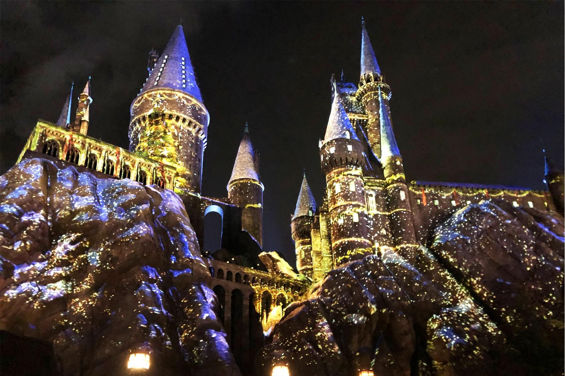 The Wizarding World Of Harry Potter Gets Merry At Universal Studios Hollywood Travel Travel Tips Universal Studios Hollywood