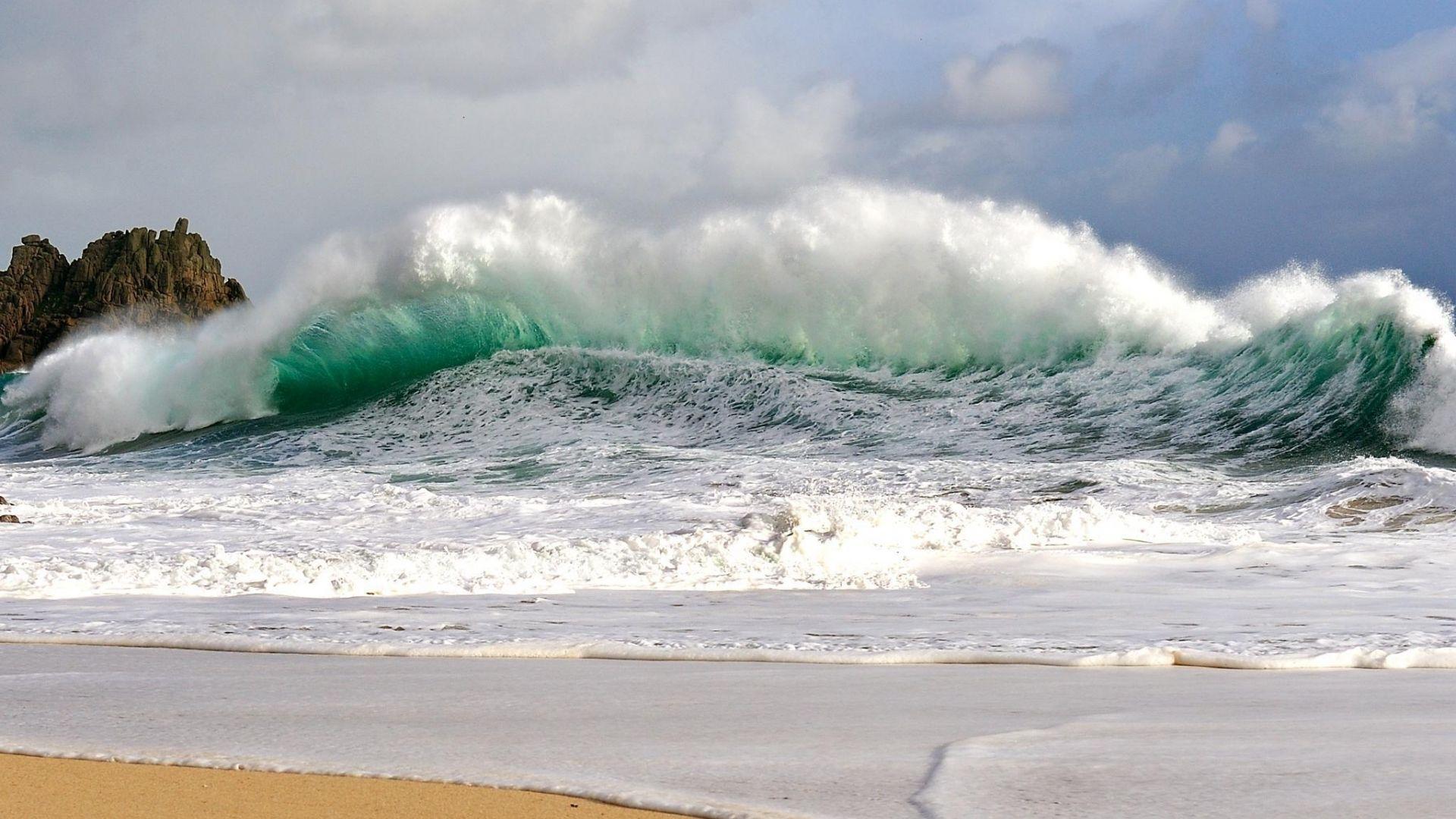 Ocean Beach Wallpaper 1920x1080 Awesome Ocean Wave Crashing On Beach Hd Wallpaper Waves Wallpaper Beach Wallpaper Waves