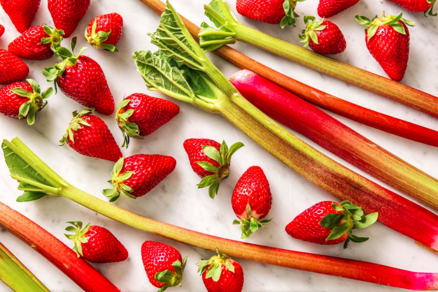 Spring Strawberry Rhubarb Salad With Spinach, Mint, and Pistachios | The Fresh Times