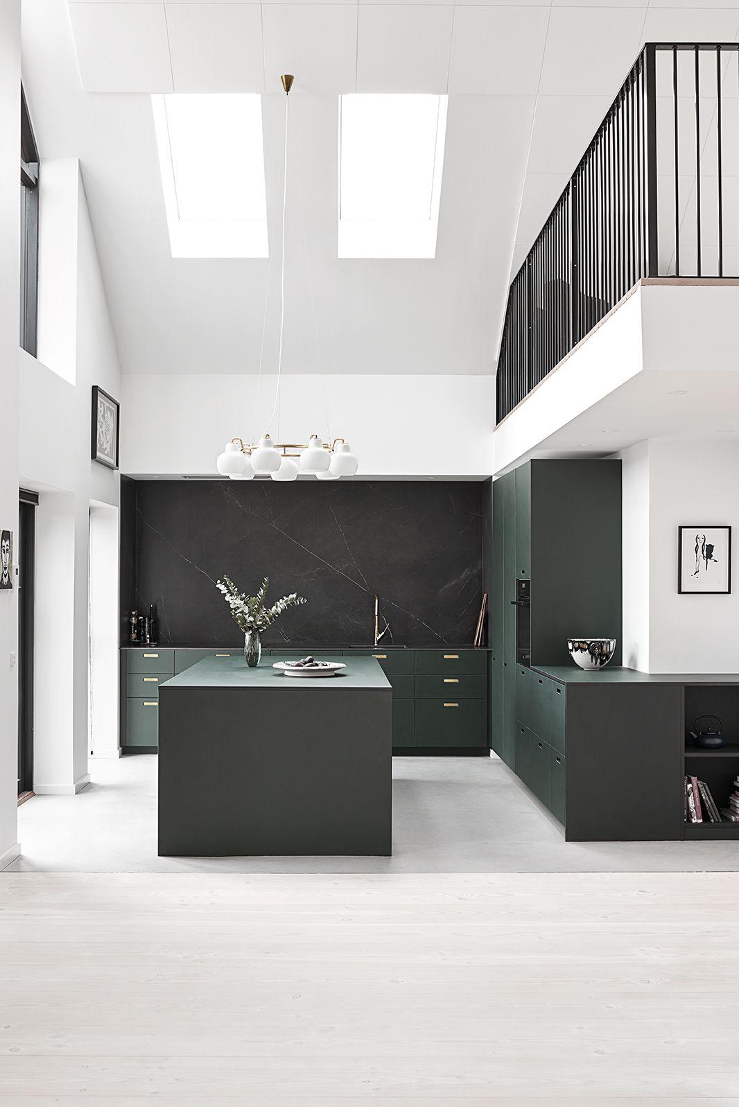 Designer kitchen made by &SHUFL. Material Linoleum