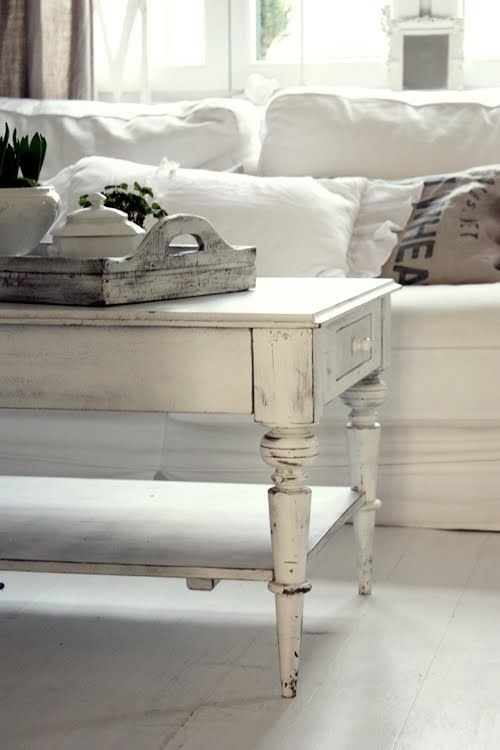 Chalk paint also this shabby chic coffee table is another main feature of the room rh pinterest
