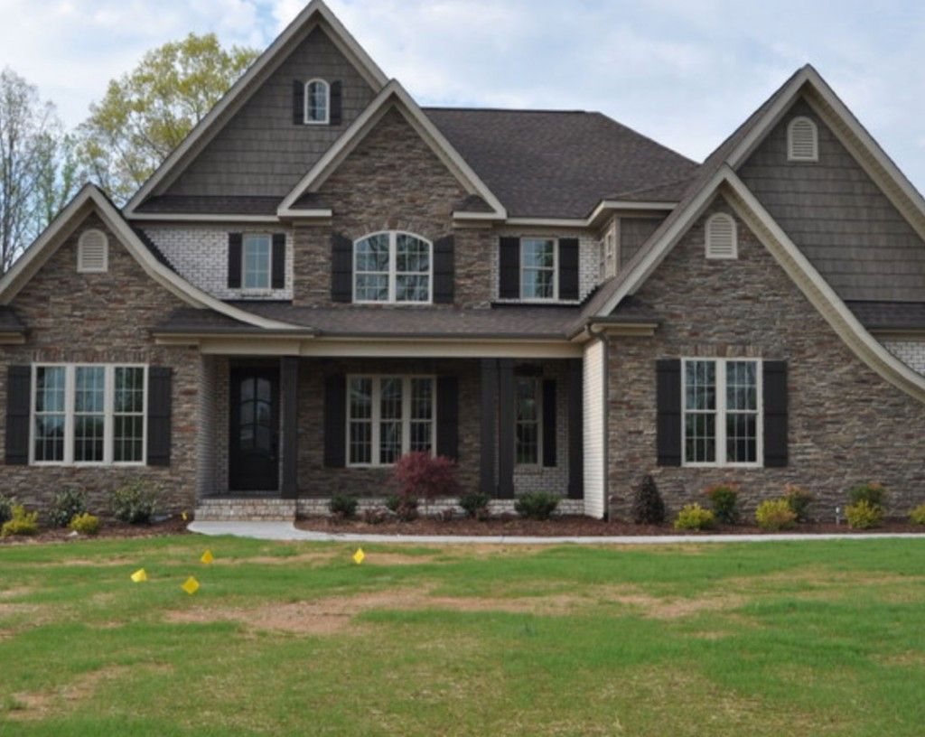 Grey Stone Matches Nicely With Pine Hall Brick S Chesapeake Pearl