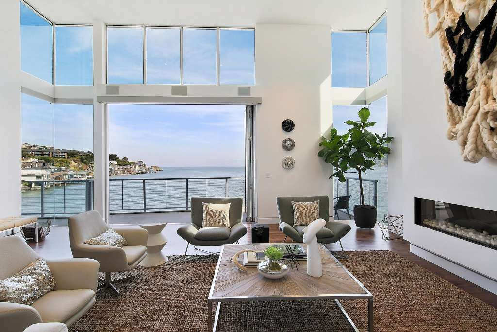 Freshly Completed Waterfront Paradise Overlooks Tiburon S Lyford Cove Home Modern Houses Interior Waterfront Homes