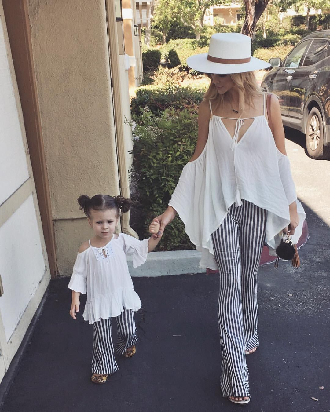 """c8b2d2ac4 Amanda Stanton on Instagram: """" @harlow_jade"""" Mother Daughter Outfits, Mommy  And Me"""