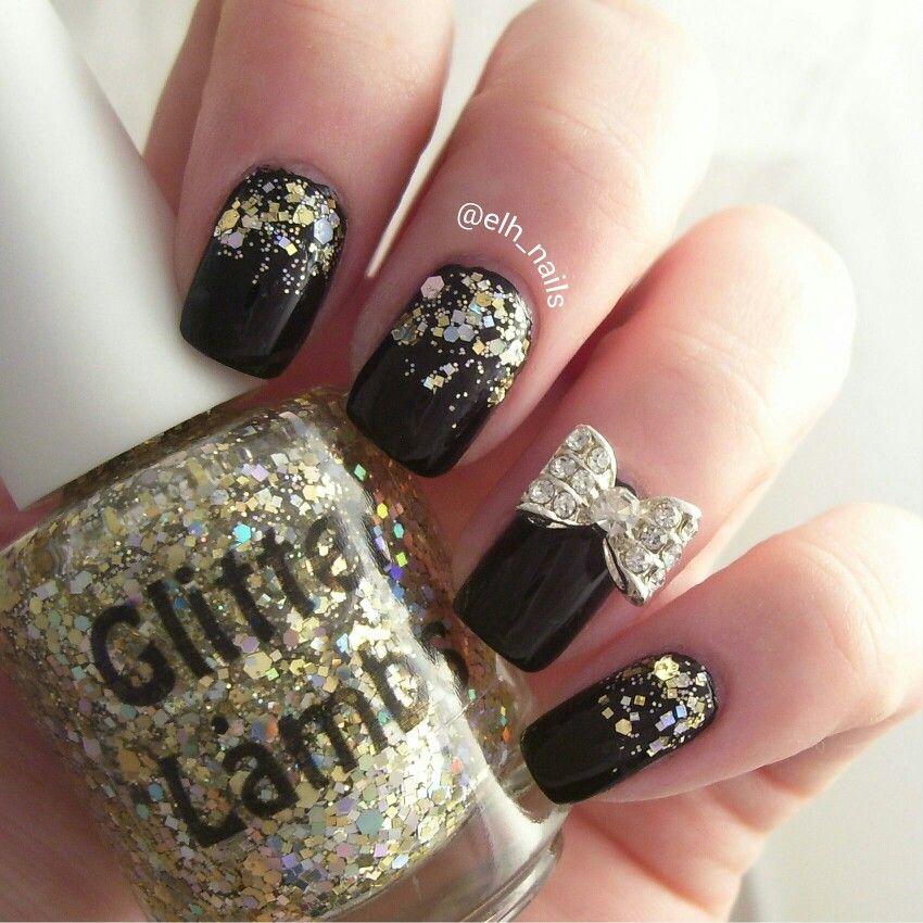 IG @elh_nails polishes used China Glaze Liquid Leather and Glitter Lambs Million Dollar Graident. #indienailpolish #glitter #polish #nails #nailart #bows