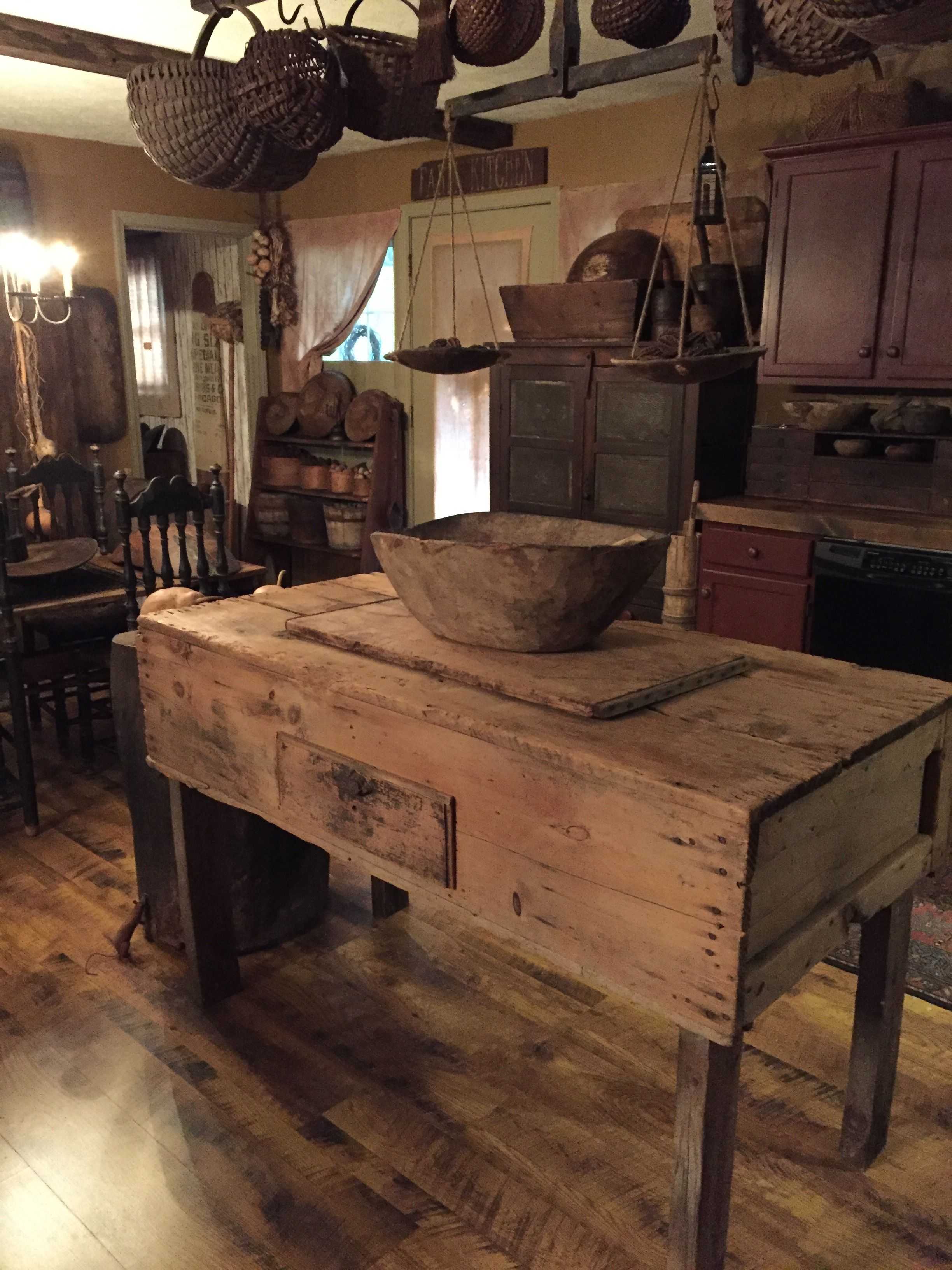 Primitive Kitchen Island | Ideas for dining room decor | Pinterest ...