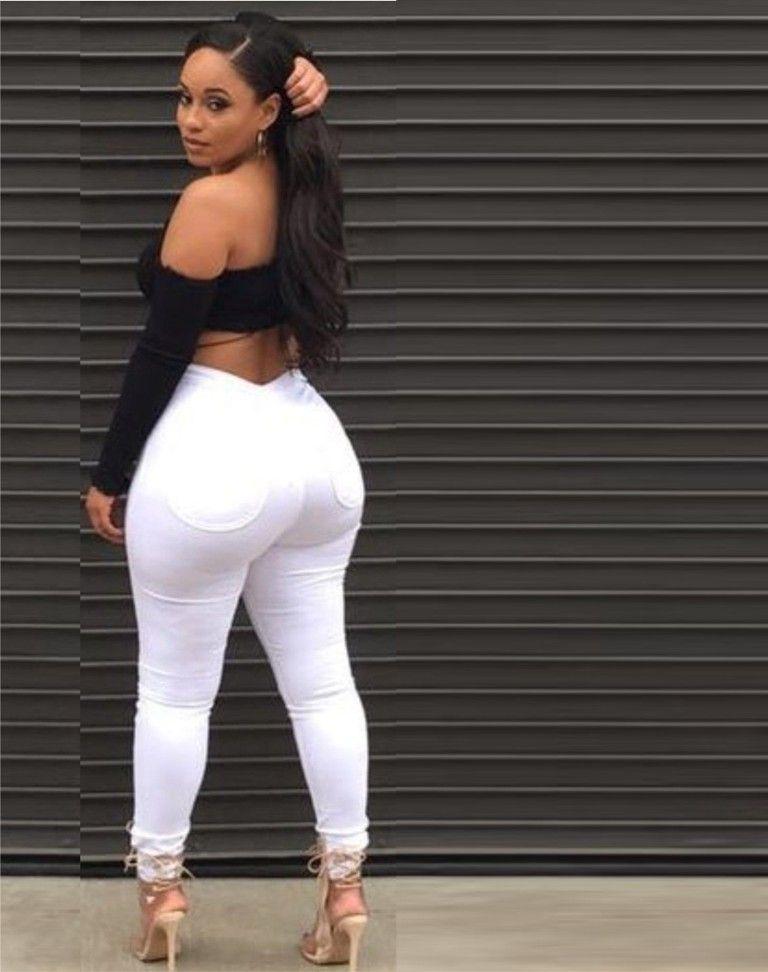 negras culonas en hot pants