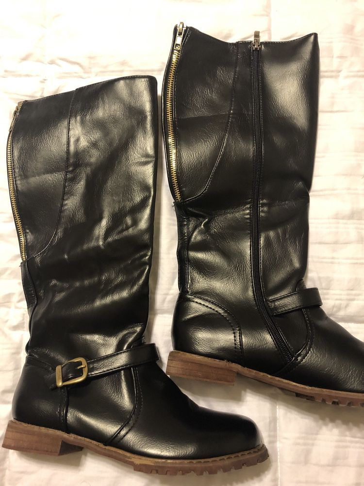 Black womens Boots Size 8 Wide Calf