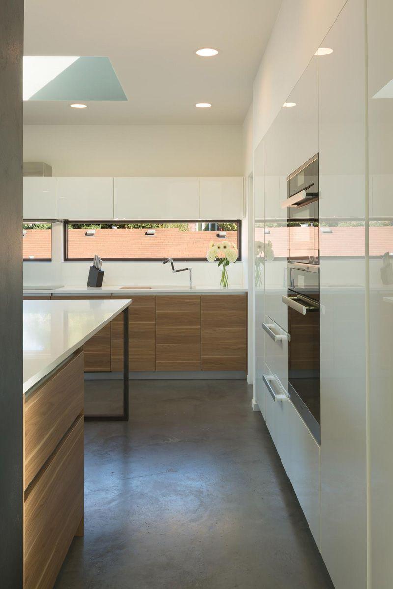 A New Home For A Family In Seattle Washington Minimalist Decor Home Decor Kitchen Modern Kitchen