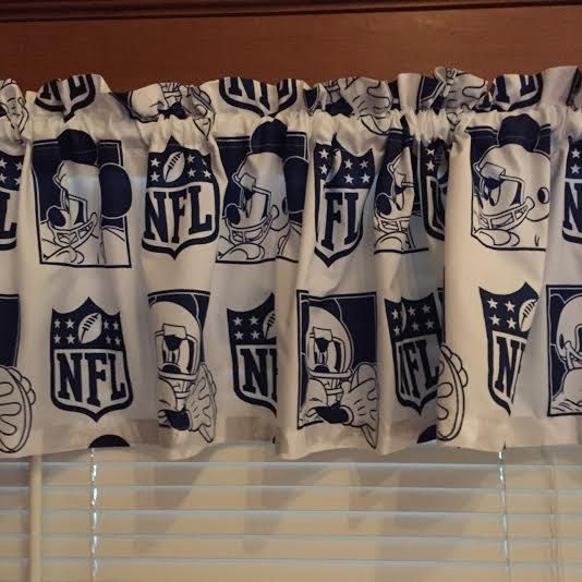 Dallas Cowboys Bedroom Decor: Mickey Mouse NFL Dallas Cowboys Curtain Valance