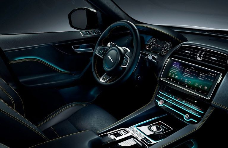 The Fpace Interior Blends Elegance And Sportiness To Create The Latest In Contemporary Design Httpsgooglpehtiz Welcome To Our Car Blog This Tim Jaguar Interior