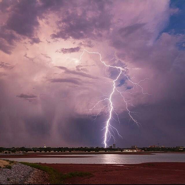 Cloud to ground lightning over Lake Hefner in Oklahoma City