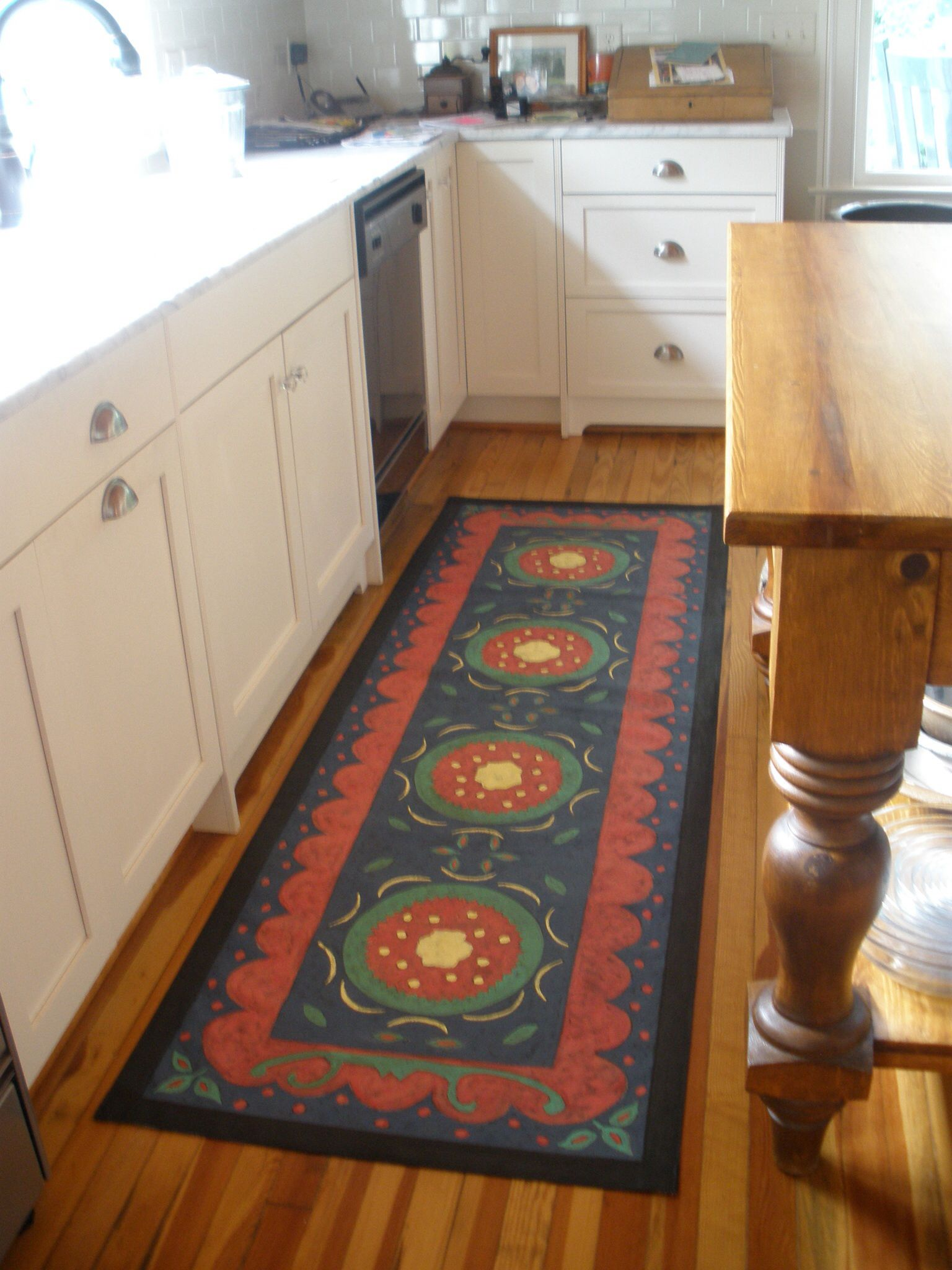 Suzanni And Borders Floorcloth Runner In The Kitchen Painted Floor Cloths Floor Cloth Painted Rug
