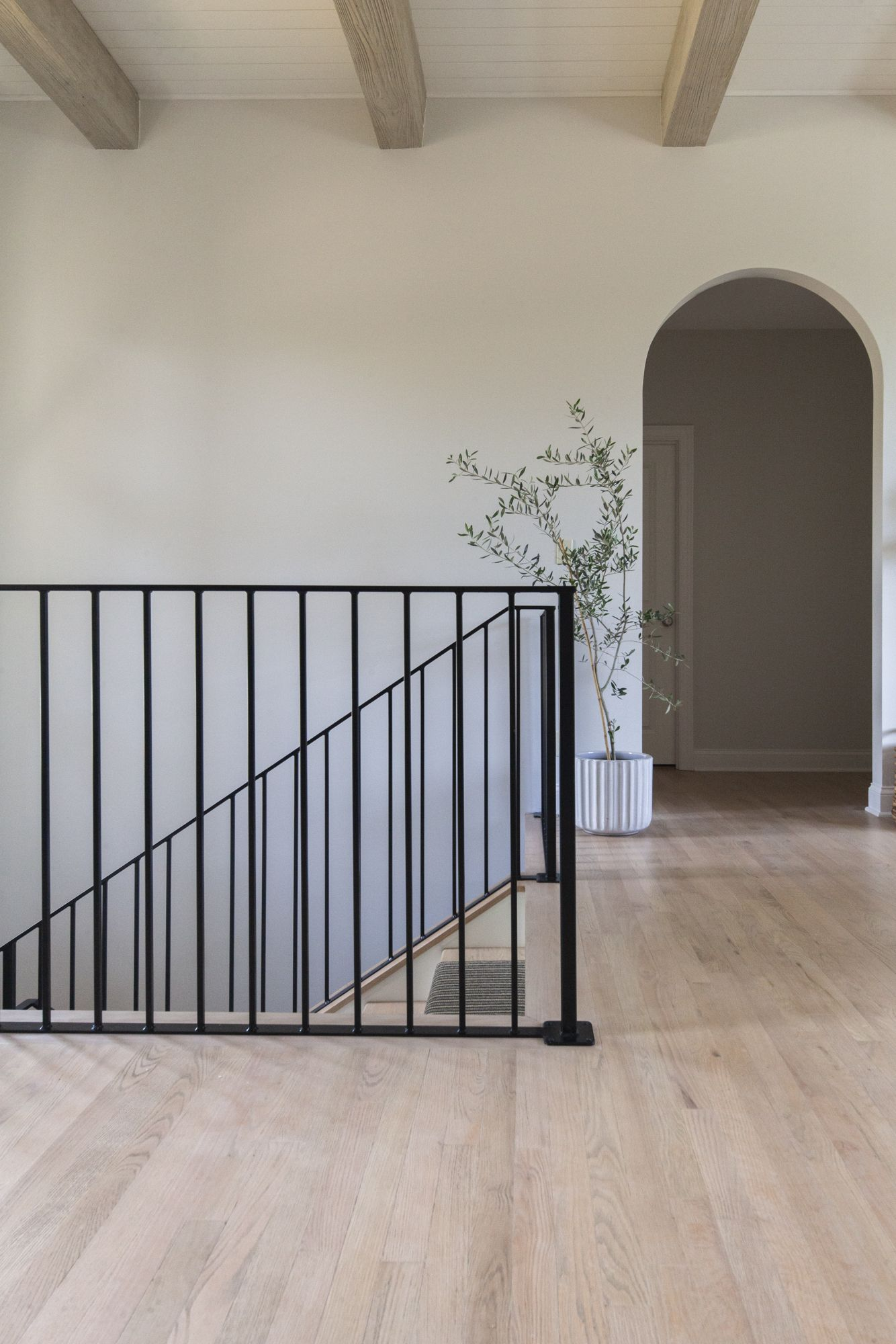 Best Step By Step Guide Refinish Wood Floors Refinishing 400 x 300