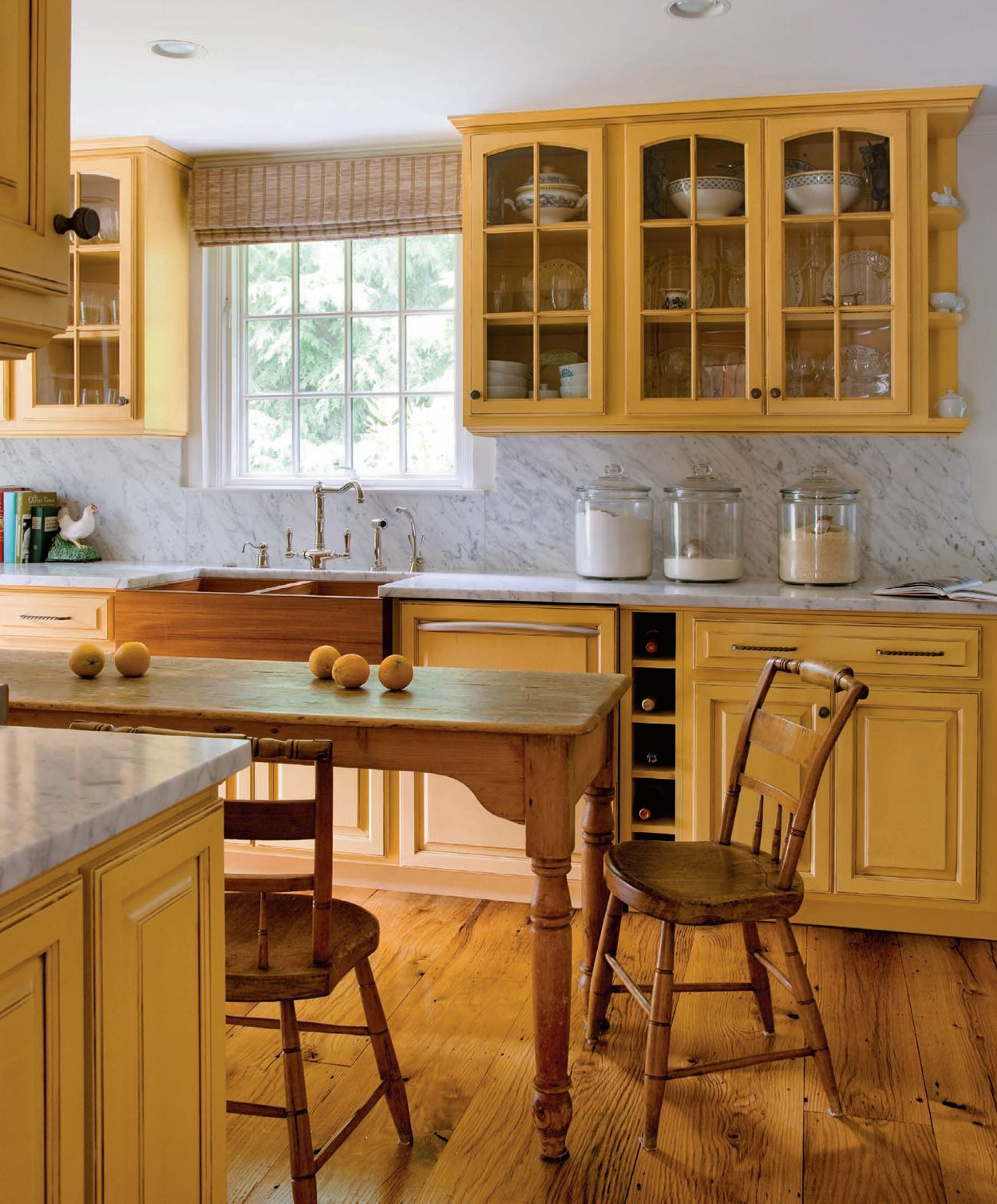Pale Yellow Country Kitchen: Yellow Kitchen Cabinets, Country