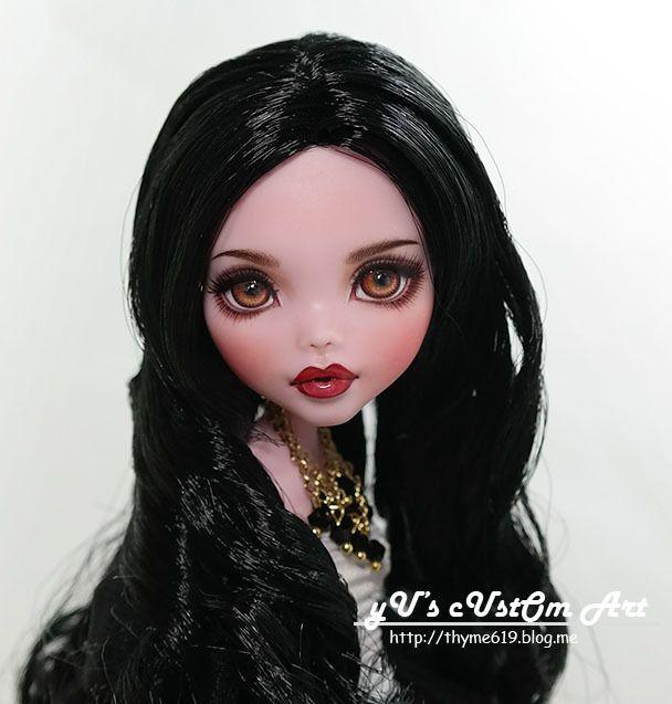 "** Kanin ** 11"" 12"" 1/6 OOAK custom Monster high Draculaura Repaint by Yu #Mattel #Dolls"