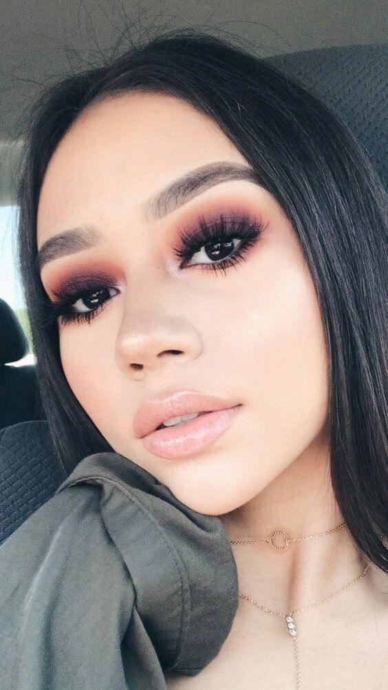 10 ideas de maquillaje de noche para mujeres de piel morena  – Maquillaje