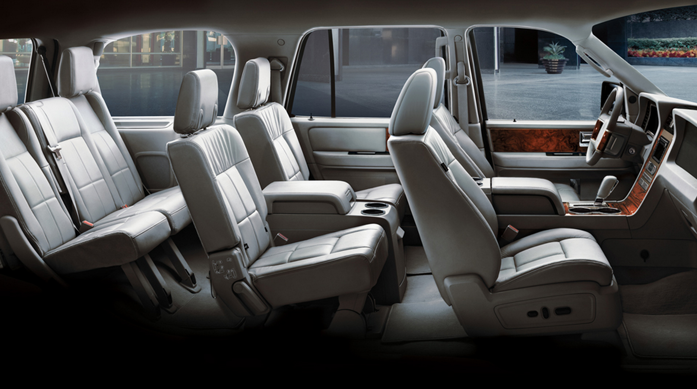 Lincoln Navigator Can Seat Seven With Standard Second Row