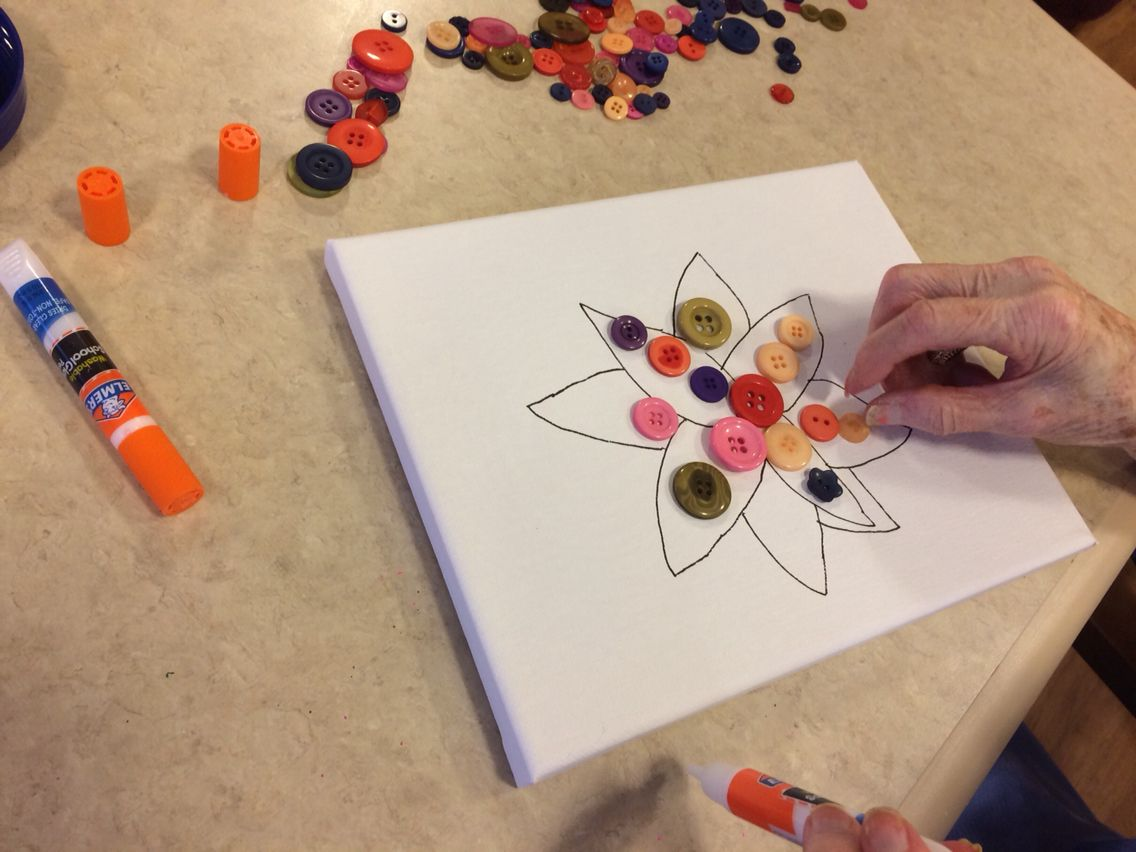 Button Flowers My Residents With Dementia Loved This Dementia Button Crafts For Adults Dementia Activities Crafts Dementia Crafts Elderly Crafts