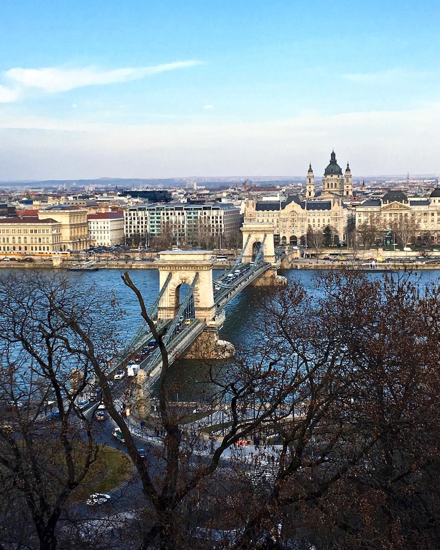 El Puente De Las Cadenas En Budapest Hungría Budapest Hungary Danube River Budapest