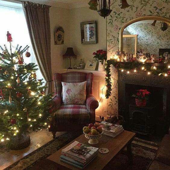 pin by frances sturdivant on my english cottage christmas living rh pinterest com