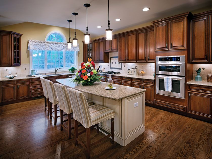 Toll brothers gourmet kitchen with center island i like for Gourmet kitchen island