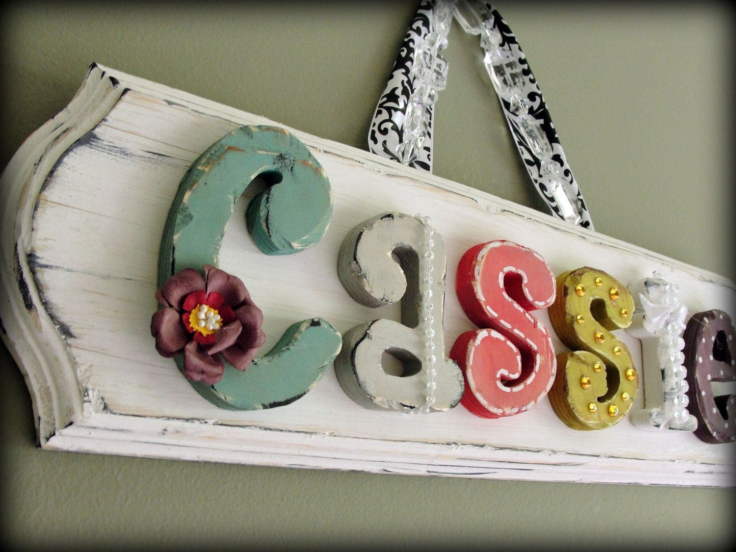 Girly vintage zimmer dekor adornables  custom childrenus wall letters names and
