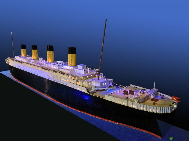 World S Largest Lego Titanic Replica Built By Young