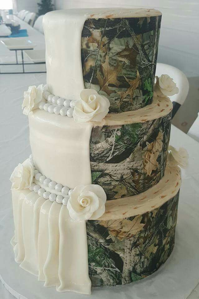 white trash wedding cake i want this for my wedding halfcamo weddingcake 27327