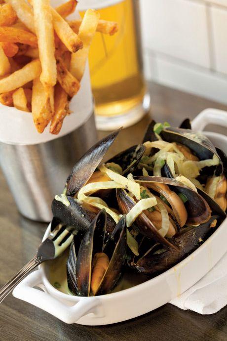 Seattle Magazine   Restaurants/Best Restaurants   Best Happy Hours at Restaurants
