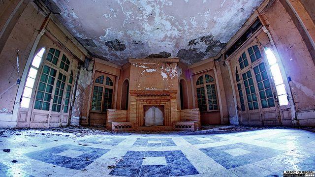 Demeure abandonnée | Flickr - Photo Sharing!