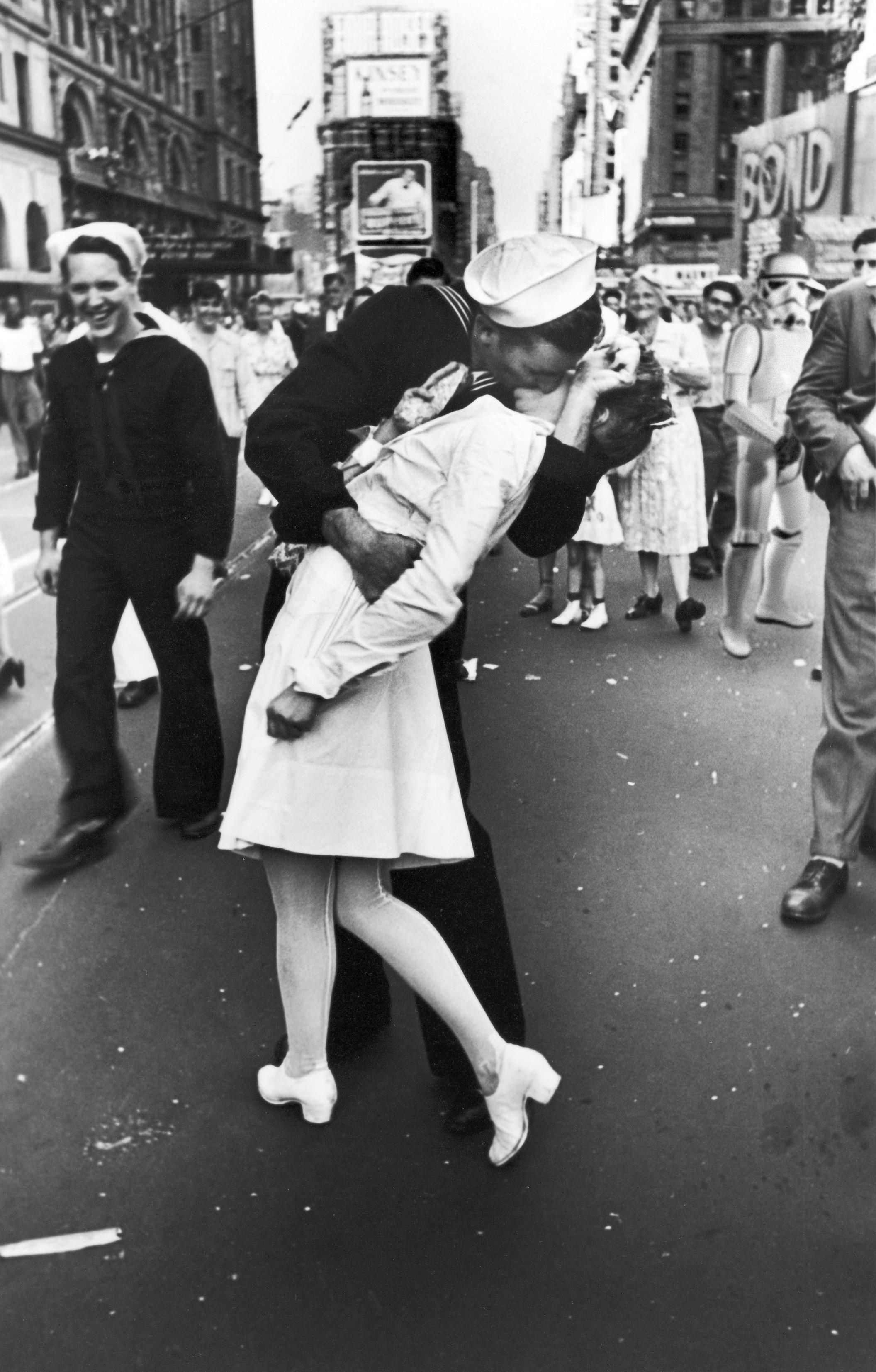 Times Square V J Day Kiss As Pedestrians Watch An American