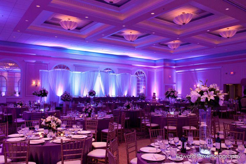 Venutis Italian Restaurant Another Possible Venue Chicago Wedding Venues Wedding Lights Wedding