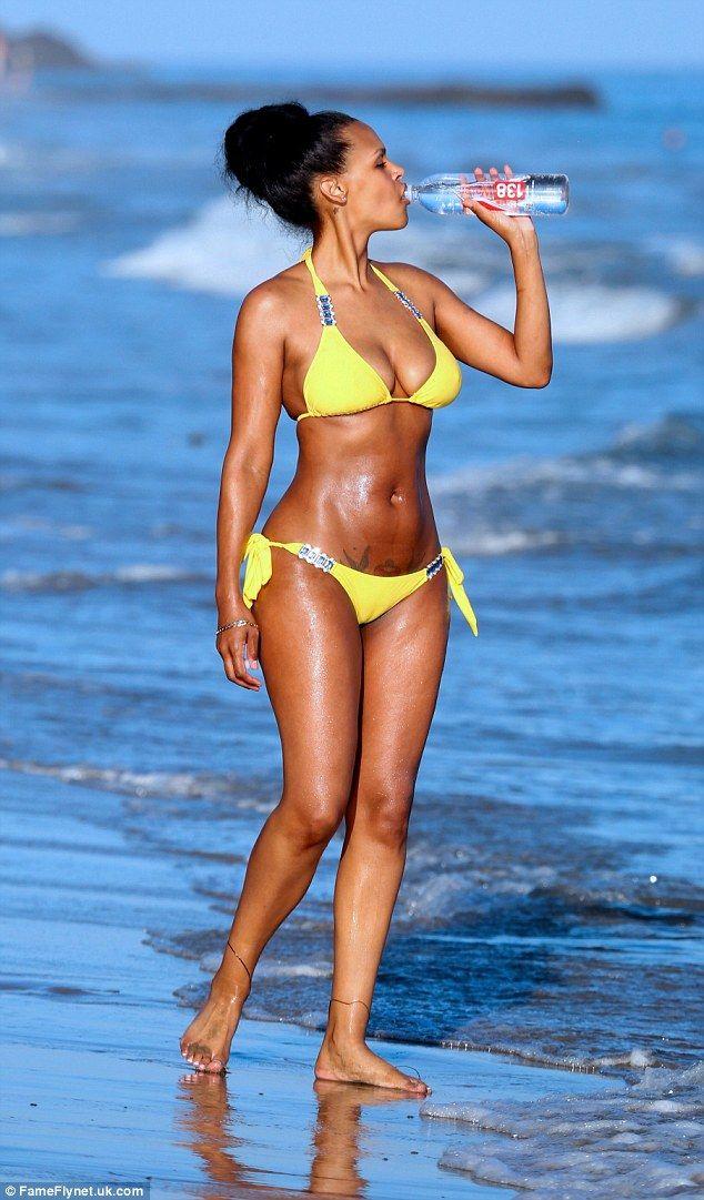 bikini Samantha mumba