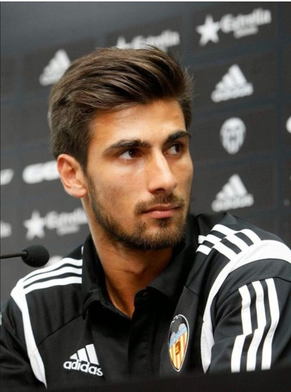 Andre Gomes Football Player Andre Gomez Soccer Player