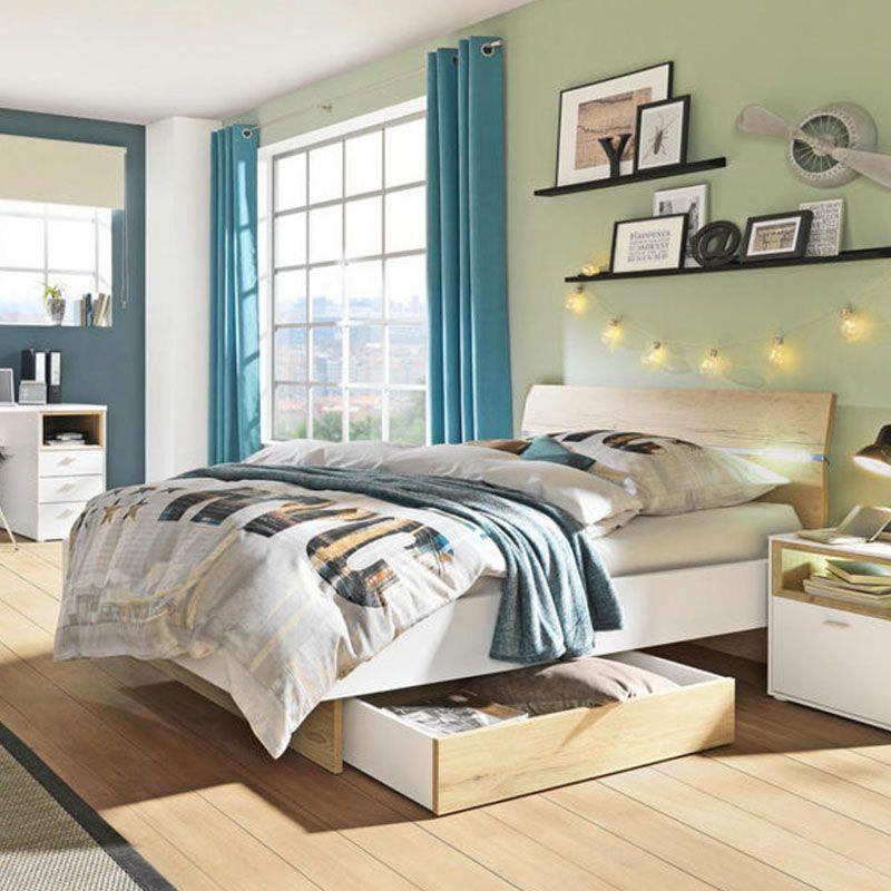Eichenfarbenes Bett Mit Weiss Lackierten Holzernen Seitenplatten Bett Bett 140 Eiche