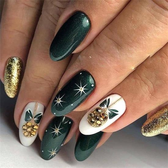 40 Elegant Green Nails For Christmas This Year Green Nail Art Coffin Nails Designs Green Nails