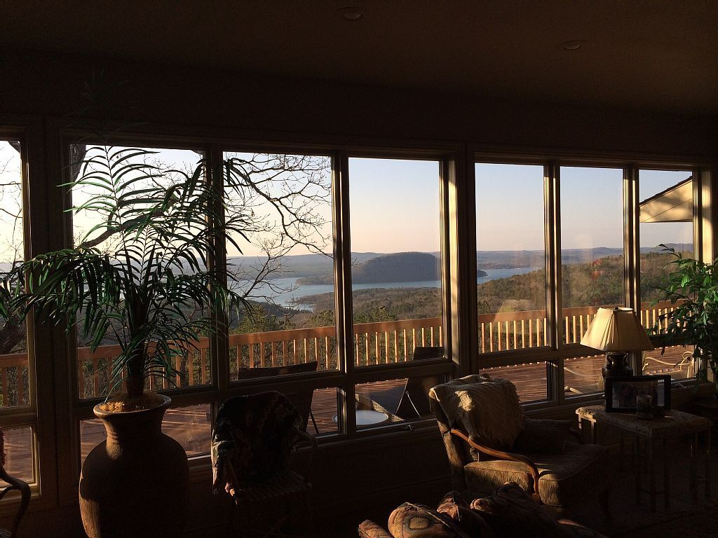 House vacation rental in fairfield bay from