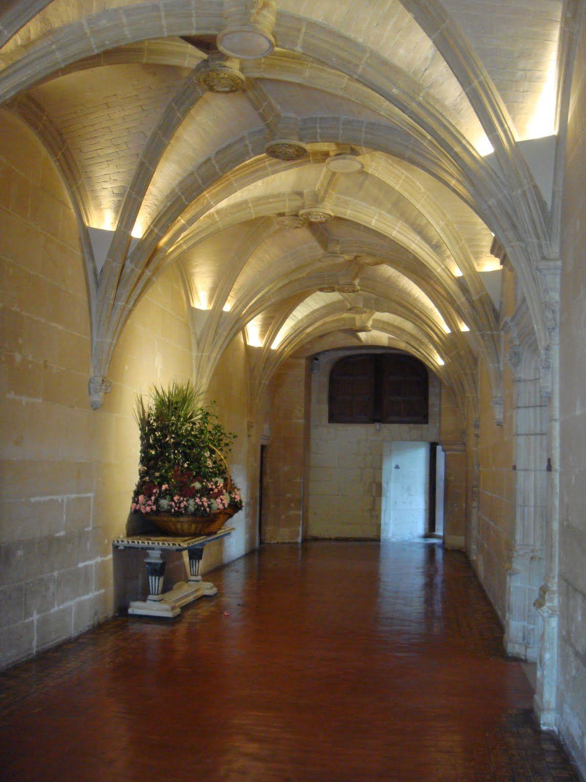 Chateau Chenonceau Interior-entrance | France Chateaux & Gardens ...