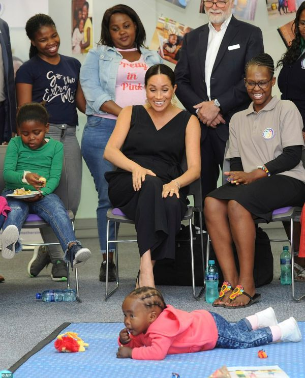 Meghan Donated Baby Archie's Clothes To Mothers2mothers Charity #meghanmarkle #duchessmeghan #meghanmarklestyle #meghanmarklefashion #duchessofsussex