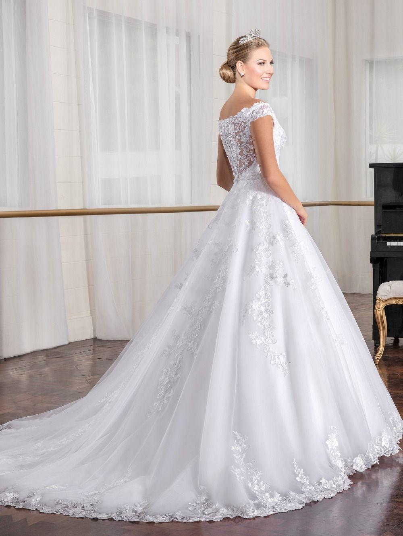 Off Shoulder Lace Appliques Crystal Vintage Wedding Dress Uniqistic Com Lace Wedding Dress Vintage Wedding Dresses Perfect Wedding Dress [ 1330 x 1000 Pixel ]