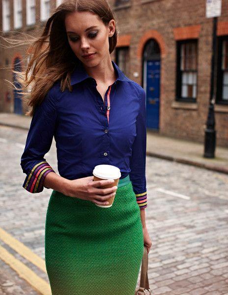 Kleidung blau und grun
