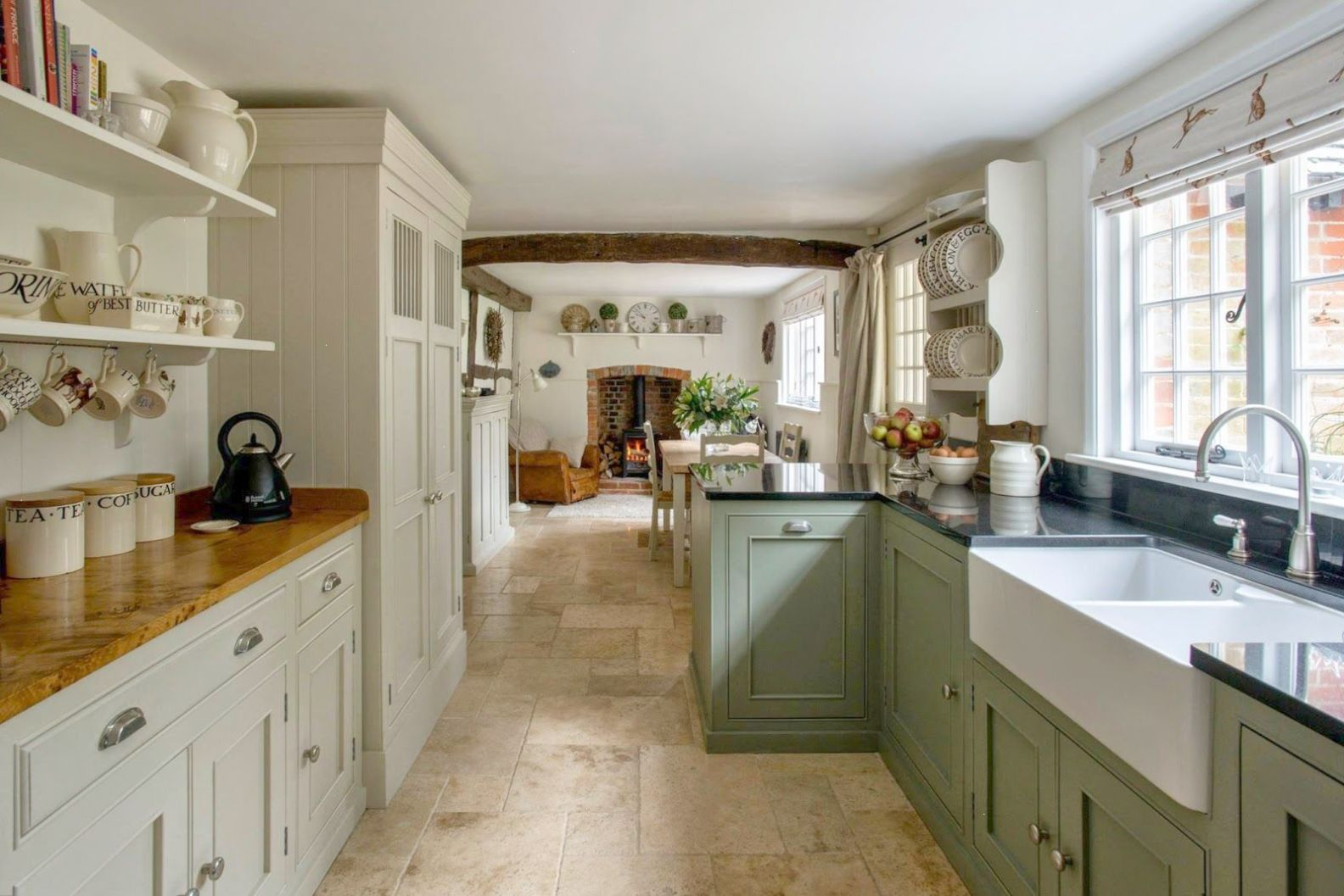 Enveloped modern country kitchen Country kitchen designs
