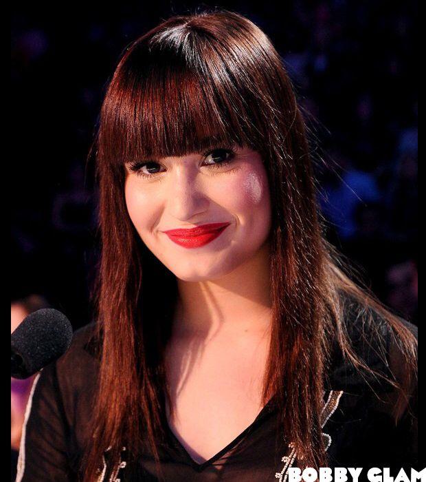Image from http://www.bobbyglam.com/blog/wp-content/uploads/2012/11/Demi-Lovato-Hair-New-Shade-1.jpg.