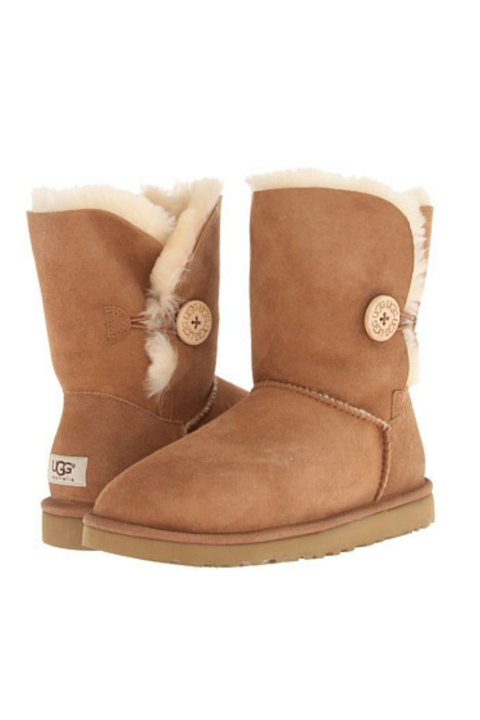 W UGG Bailey Button - Chestnut