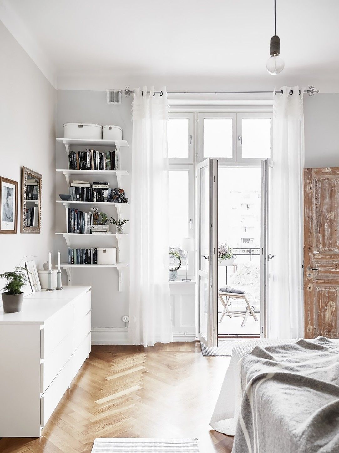 8 IKEA Bedrooms That Look Chic Home bedroom, Home decor