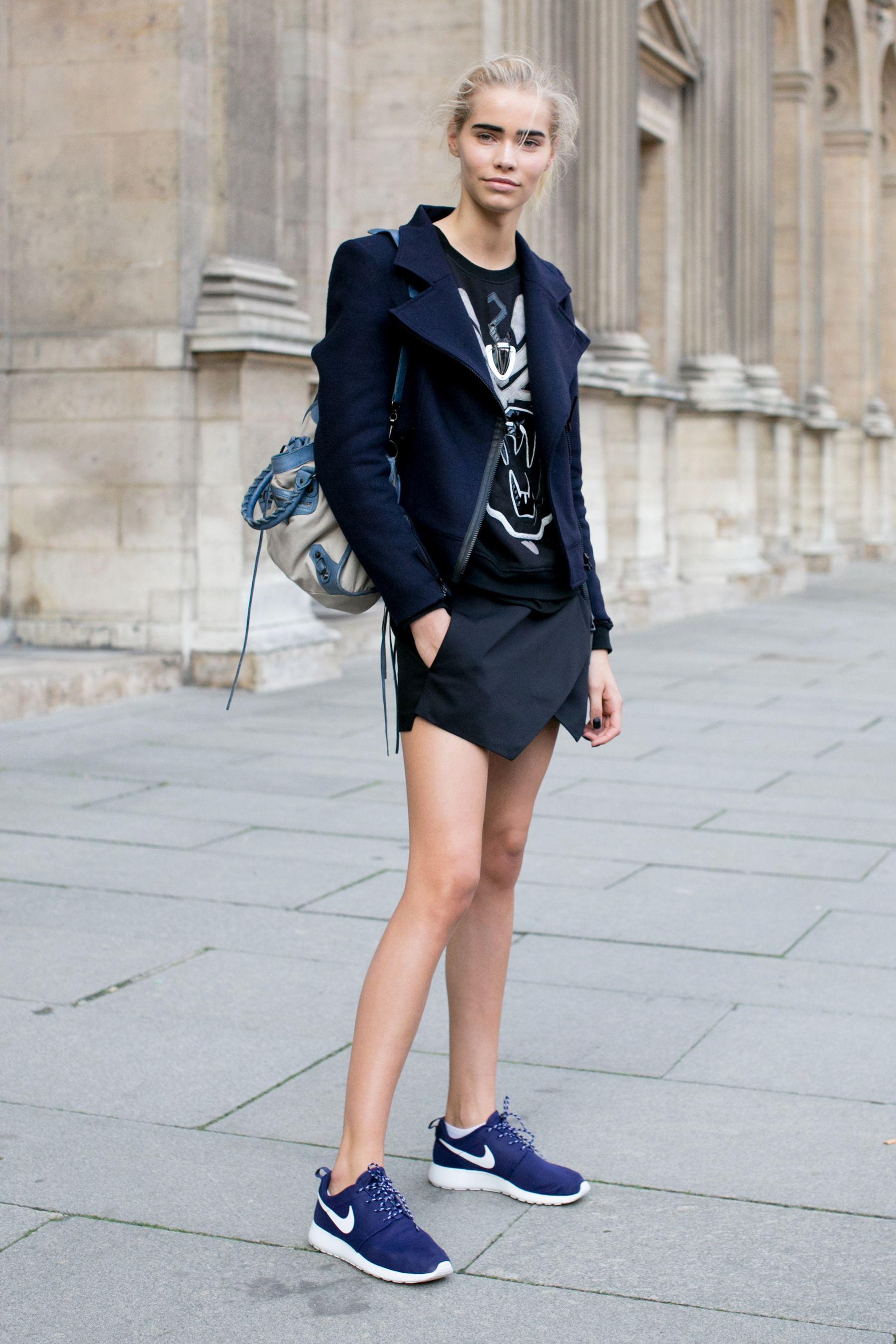 Street Fashion Buty Sportowe Fot Imaxtree Model Street Style Paris Fashion Week Street Style Fashion
