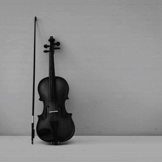❁ ☾pinterest   alexislee17   Minimalism   Violin, Sherlock