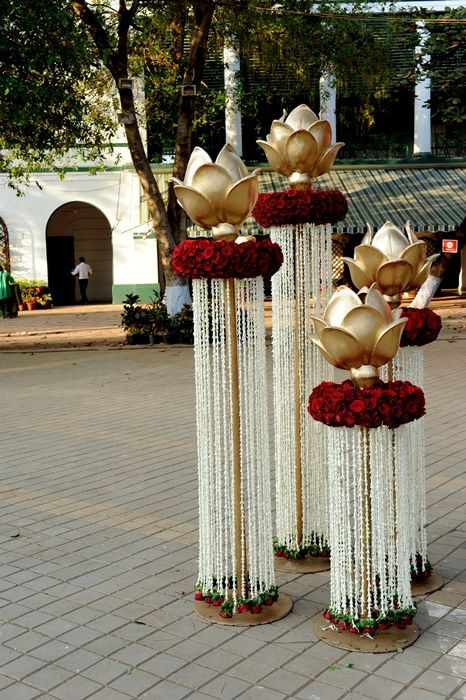 An Outdoor Mumbai Wedding at Mahalaxmi Race Course : Ameesha and Jai