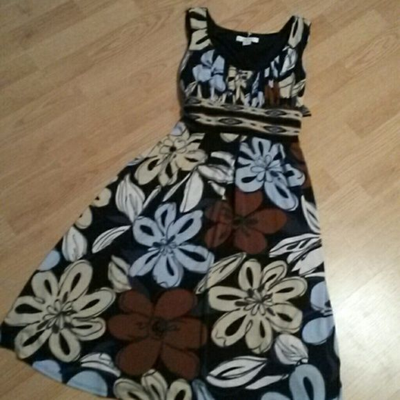 Dressbarn!!! Tags were removed but never worn. So cute!!! Navy with neutral color flowers. Dress Barn Dresses